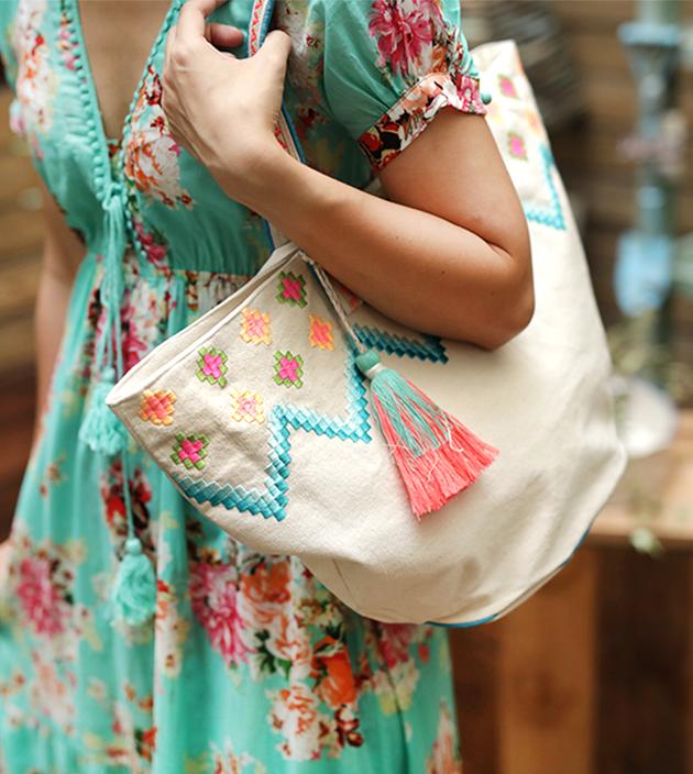 刺繡麻大袋 1