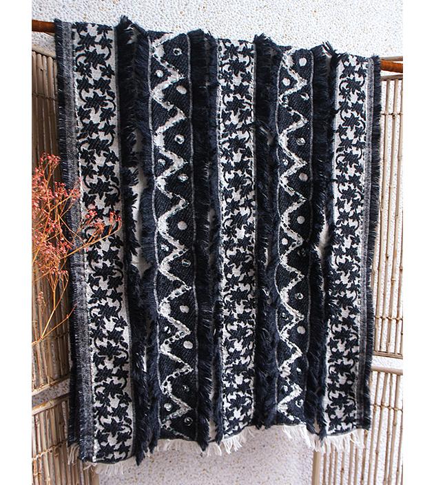 羊毛刺繡巾.楓暖 2